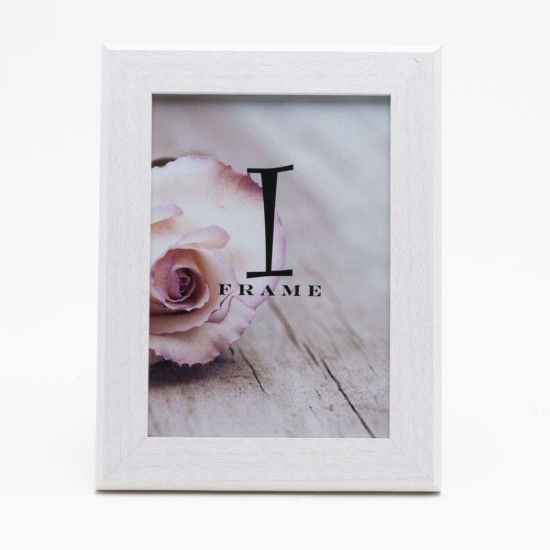 iFrame Thick Wood Effect White Photo Frame